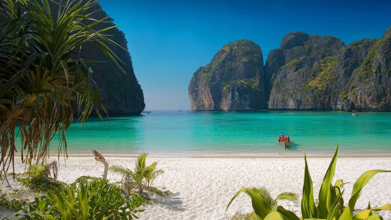 Phi Phi Islands and Khai Island Day Tour by Speedboat - Maya Bay
