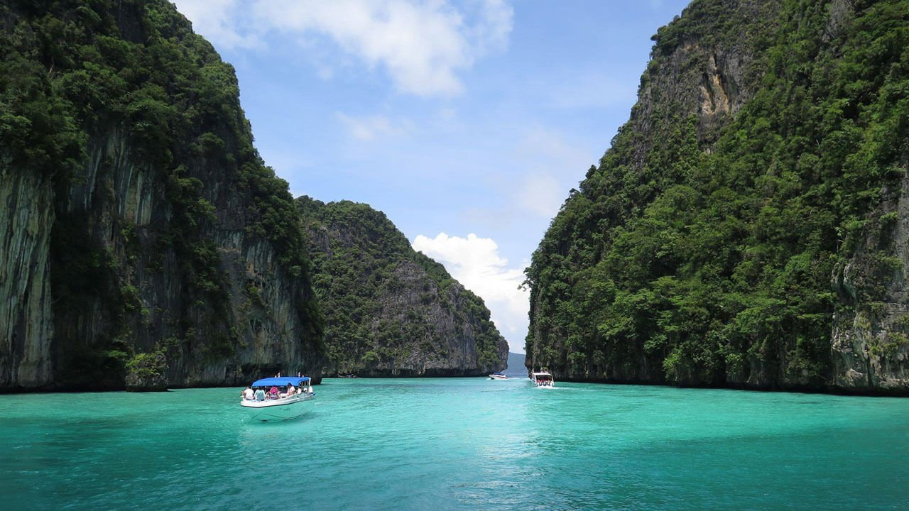 Phi Phi Islands and Khai Island Day Tour by Speedboat - Pileh Lagoon