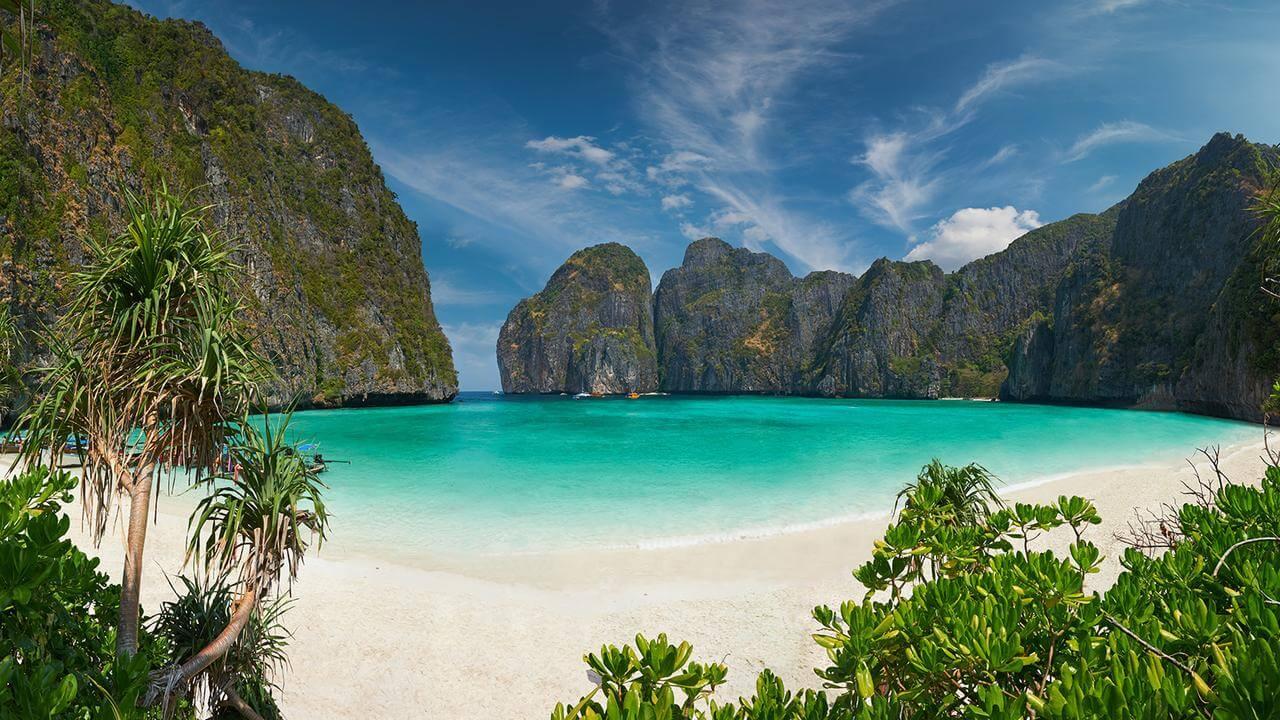 Maya Bay - Phi Phi Ley Island