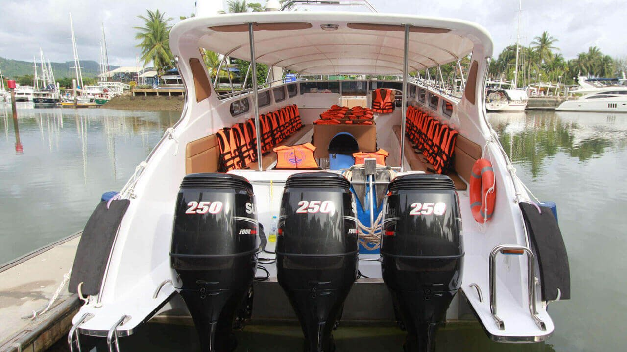 Speedboat Triple Engines 750HP (3X250HP)