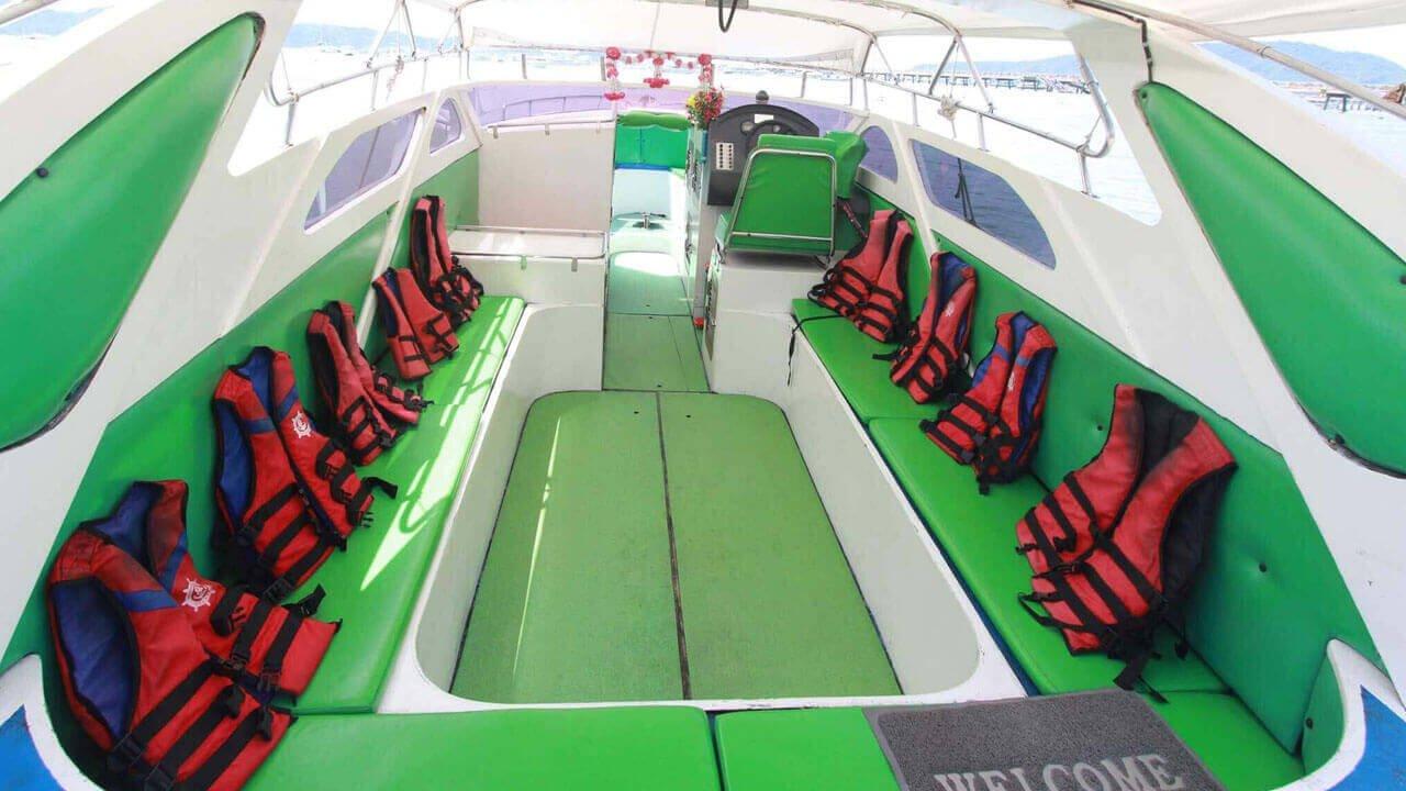 Speedboat Twin Engines 200HP (2X100HP)