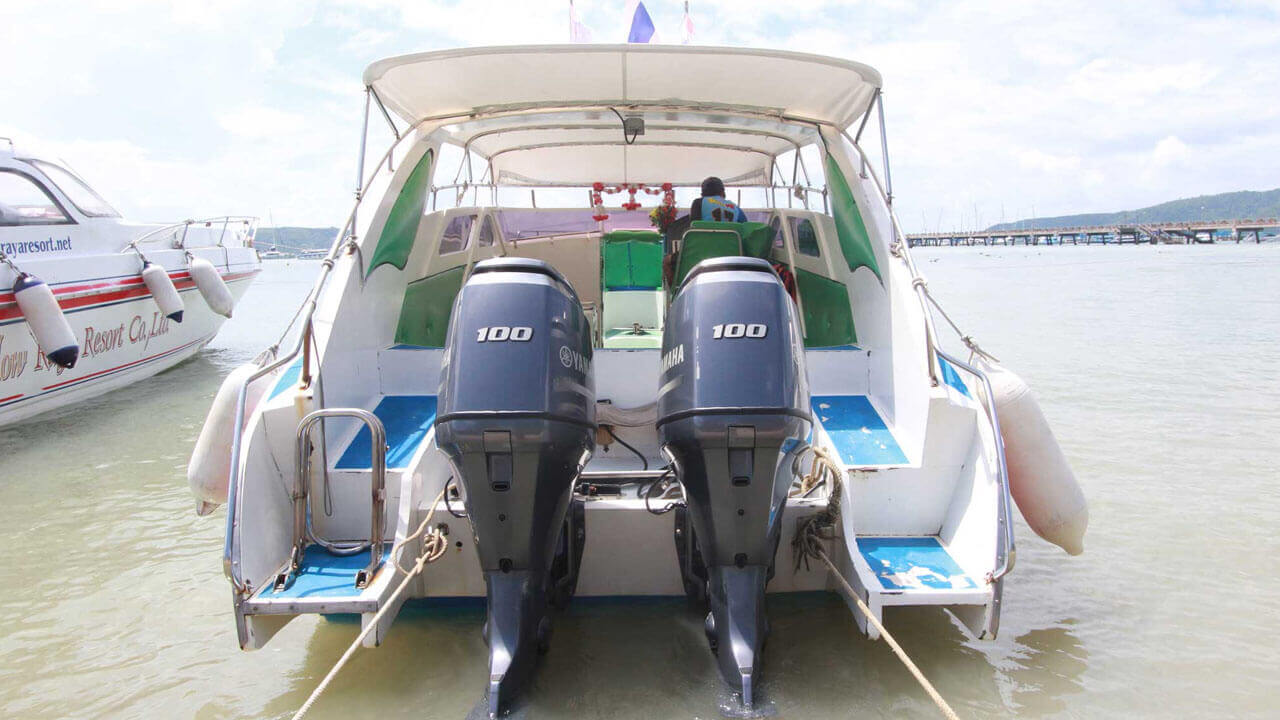 Speedboat Twin Engines 200HP (2X100HP)